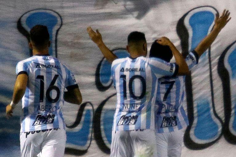 Atlético Tucumán goleó a Tigre 3-0 y quedó como líder de la Superliga