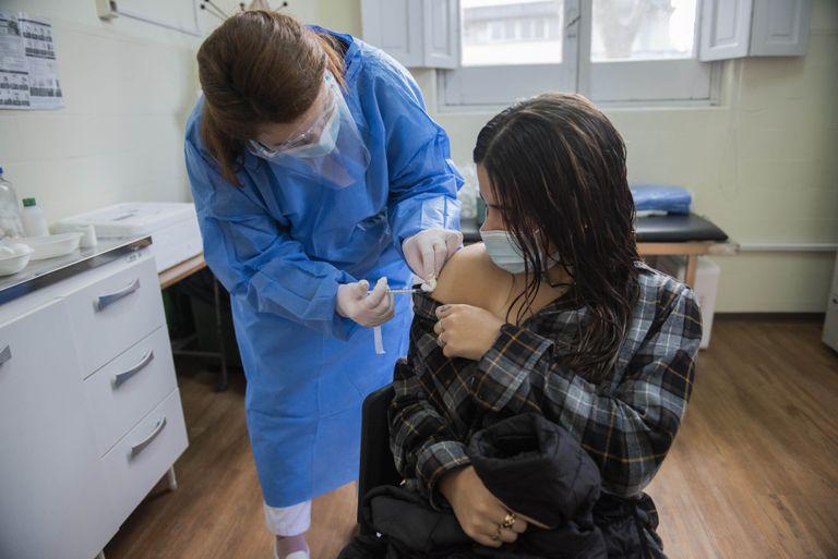 Uruguay lanzará la semana próxima la vacunación con tercera dosis contra el Covid-19
