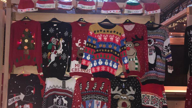Como en Bridget Jones: los londinenses se animan a los sweaters navide?os