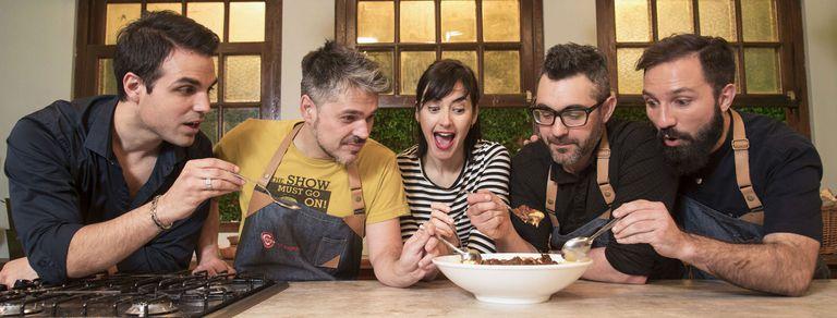 """Cocineros Argentinos: por qué son """"Los Simpson de la TV Pública"""""""