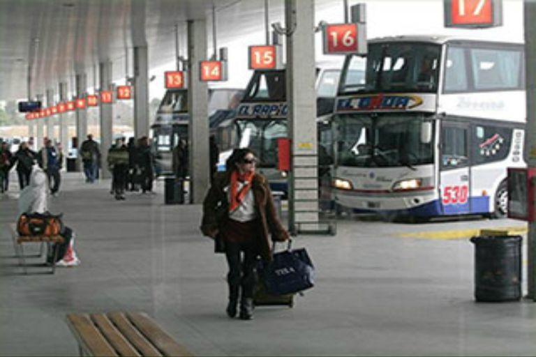 El paro de maleteros en la Terminal de Mar del Plata Ferroautomotora, por tiempo indeterminado.