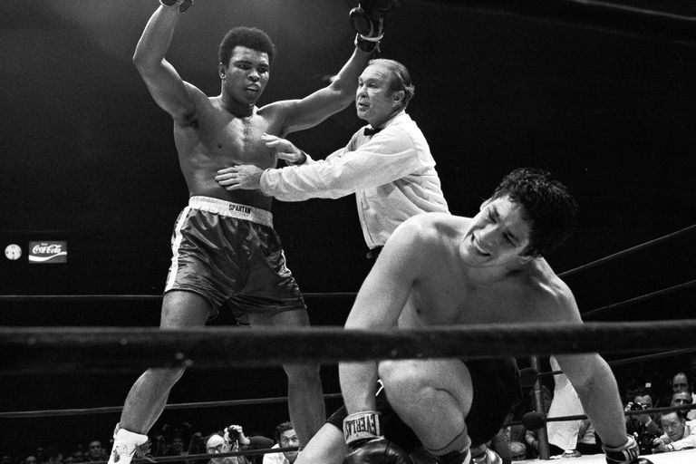 Ultimo round: Bonavena al piso tres veces y el KO decretado por un referí complaciente con Alí