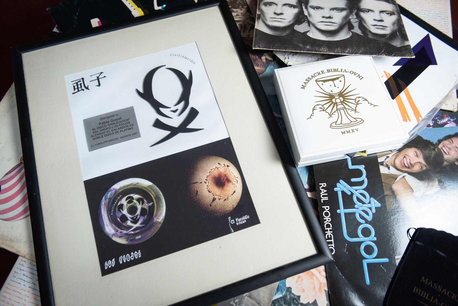 Una selección de los discos en los que tocaron o produjeron Toth y Guyot