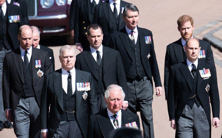 Tres hombres importantes en la vida del duque formaron parte del cortejo fúnebre y se cree que también recibieron algo de la herencia de Felipe