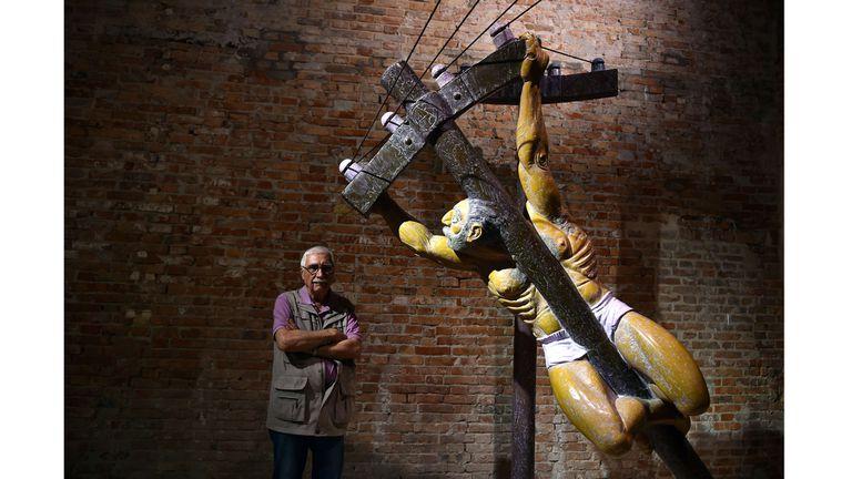 Juan Carlos Distéfano y su obra Acción directa en la Bienal de Venecia