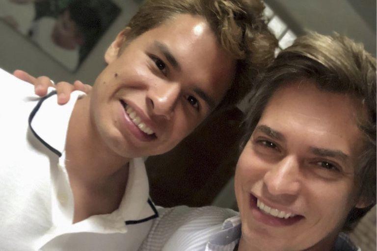 Carlos Baute se reconcilia con su hijo después de 12 años de batalla legal