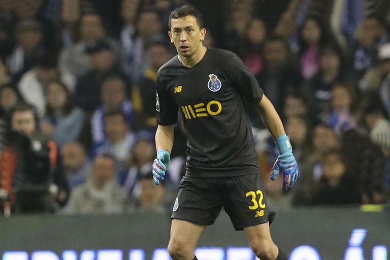 Marchesín salió campeón en todos los clubes que jugó: Lanús, Santos Laguna, América, y también Porto; el desafío de la Champions League lo atrapa