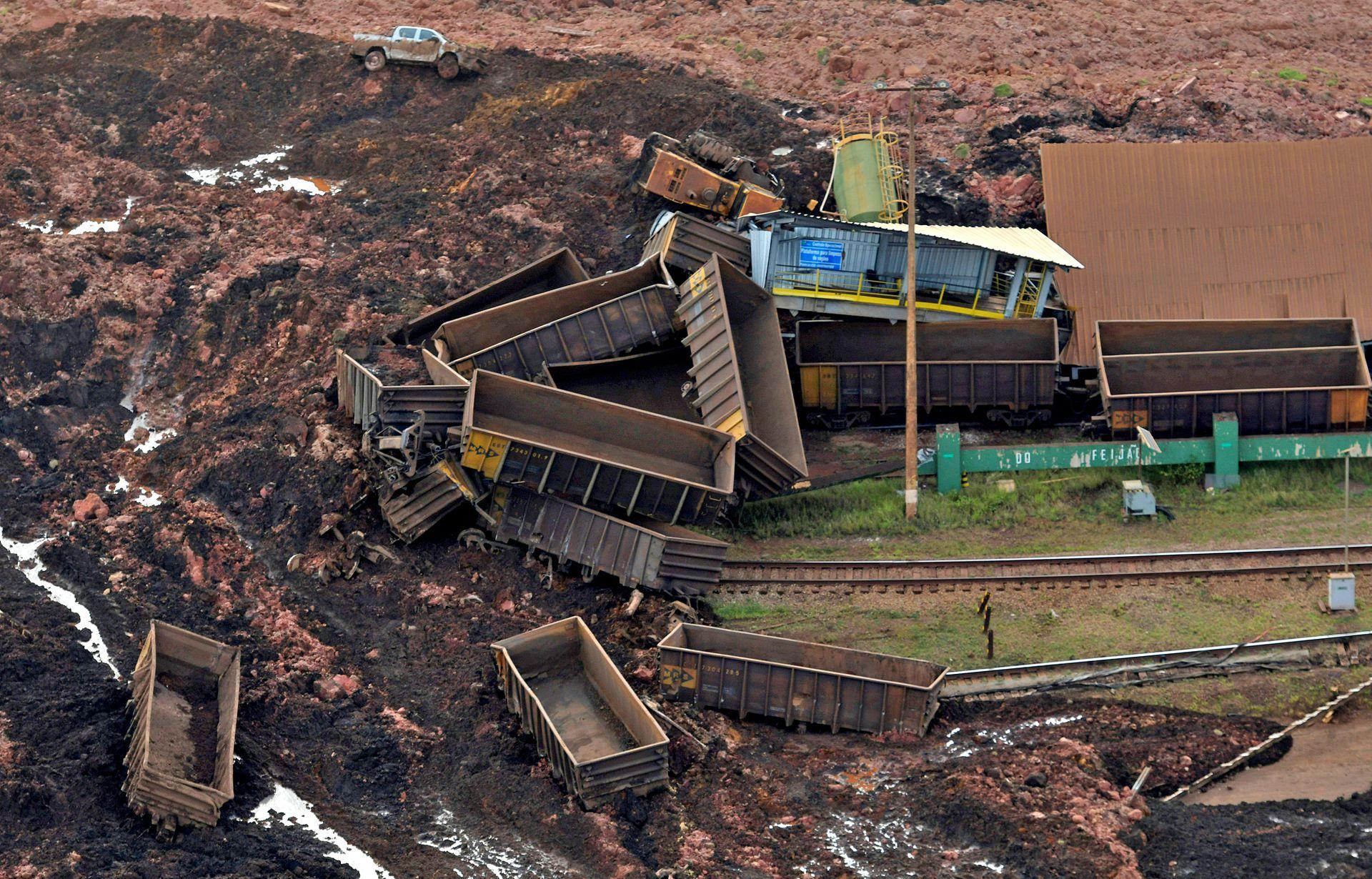 Una vista aérea de la destrucción en la mina explotada por Vale SA
