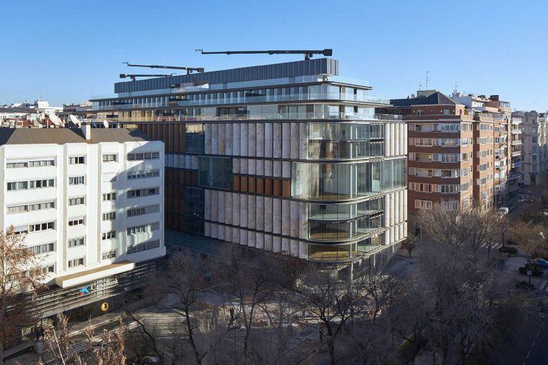 Edificio polémico: millonarios latinoamericanos, sociedades offshore y el alquiler más caro de Madrid