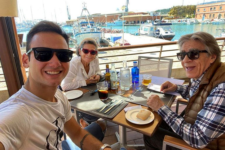La familia completa en Palma: viajaron en enero de 2020; Ana y Aldo viven en un departamento céntrico y disfrutan a diario del aire del Mediterráneo; Franco se radicó en Alemania