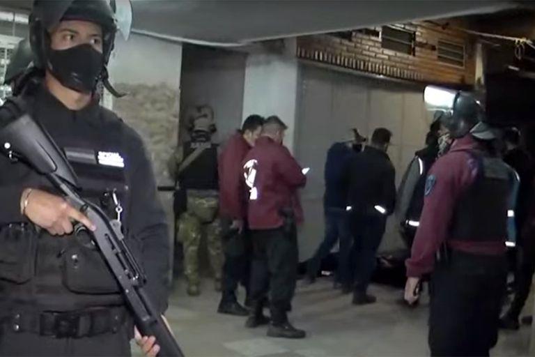 La Policía de la Ciudad realizó un operativo en el barrio Padre Mugica, donde opera un grupo que tiene su base en la villa 1-11-14