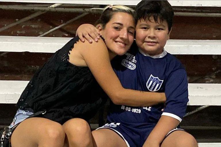 En medio de la investigación por la muerte de Diego Maradona, Verónica Ojeda compartió en las redes sociales la primera foto de Jana Maradona y Dieguito Fernando juntos, y encendió la interna familiar al marcar la diferencia con Dalma y Gianinna Maradona