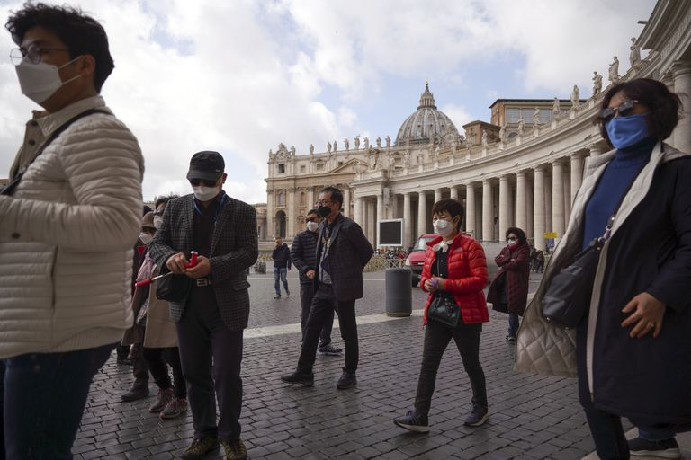"""""""El Covid-19 desde el punto de vista clínico no existe más"""", dijo Alberto Zangrillo, el director de terapia intensiva del hospital San Raffaele de Milán, uno de los más importantes de Italia"""