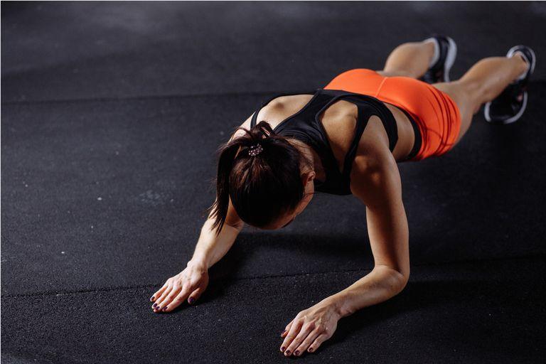 """4 versiones de """"la plancha"""", el ejercicio perfecto"""