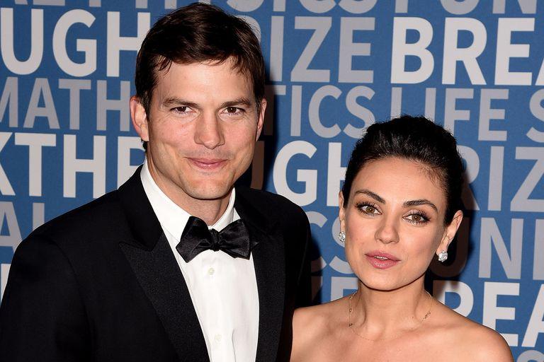 La insólita confesión de Mila Kunis y Ashton Kutcher sobre bañar a sus hijos