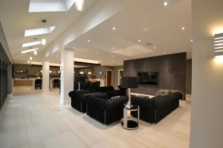 La lujosa mansión que Sergio Romero y Eliana Guercio pusieron a la venta