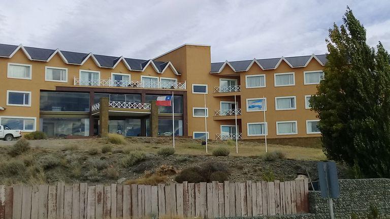 """Hotel Las Dunas. Ubicado sobre la avenida costanera """"Presidente Néstor Kirchner"""", en El Calafate. Foto: LA NACION."""
