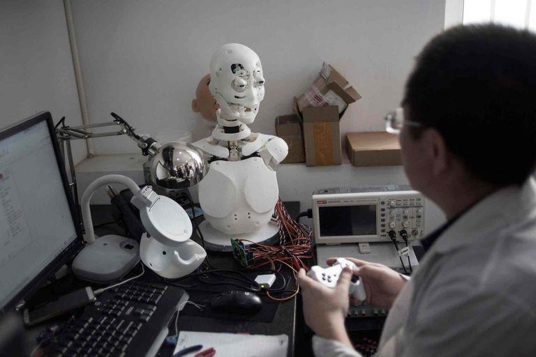Estas muñecas robots buscan sumar una mayor interacción con la ayuda de la inteligencia artificial respecto a los modelos tradicionales de silicona