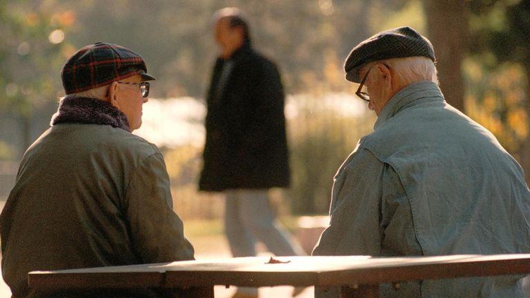 Muchos programas están destinados al cuidado de los adultos mayores