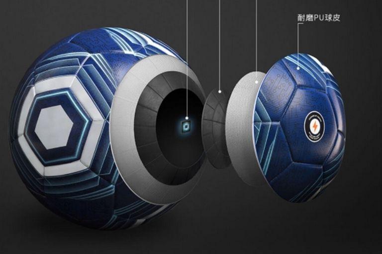 Una vista del interior de la pelota de Xiaomi, que cuenta con conexión Bluetooth y tiene carga inalámbrica