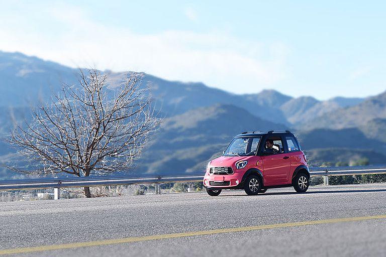 El auto eléctrico Tito, producido en San Luis
