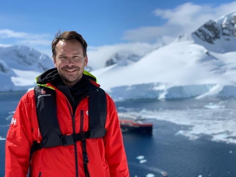 Patricio Thijssen, guía de expediciones, llevó su pasión por los viajes y la gastronomía a su restaurante de zona sur