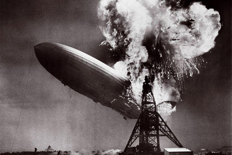 La explosión del Hindenburg, parte definitiva de la historia del fotoperiodismo.