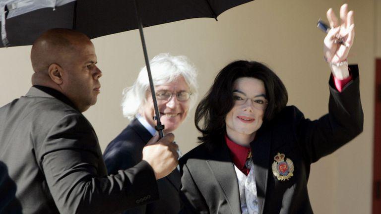 Para dormir, Michael Jackson recurría a un anestésico