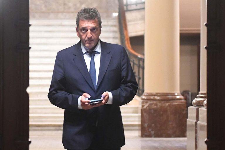 El presidente de la Cámara de Diputados no descartó convocar a los legisladores para tratar temas urgentes