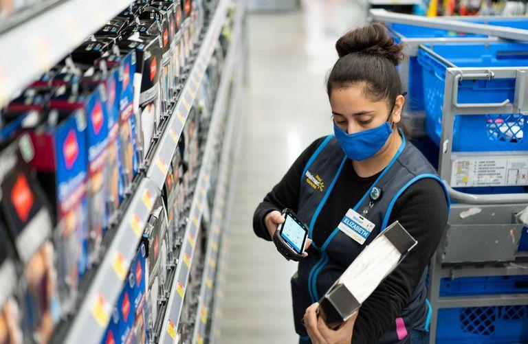 03-11-2020 Empleada de Walmart POLITICA INVESTIGACIÓN Y TECNOLOGÍA WALMART