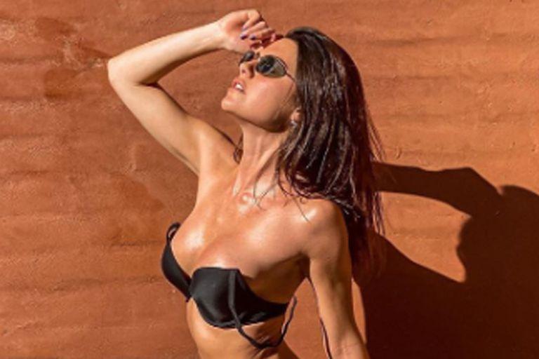 En bikini: Jujuy Jiménez encendió las redes con postales del falso verano