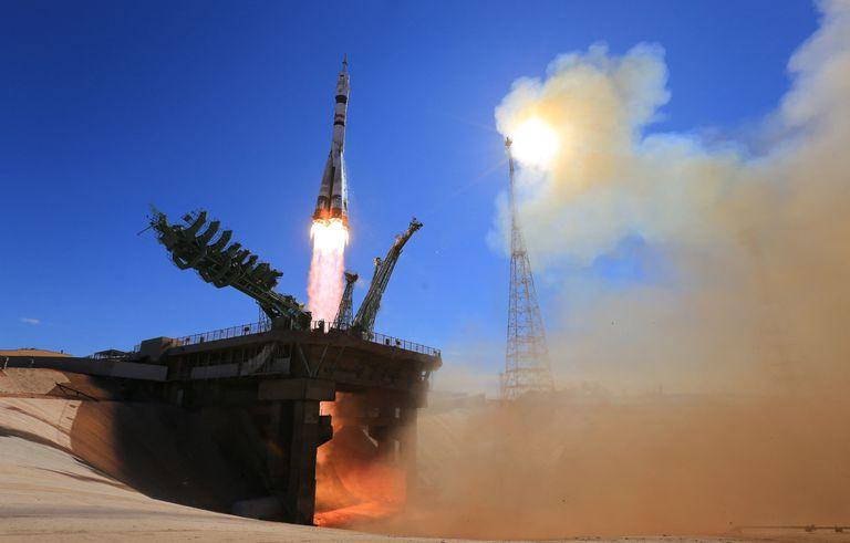 El despegue del cohete  hacia la Estación Espacial Internacional