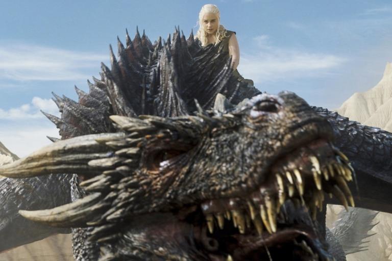 La reina Daenerys Targaryen, la Madre de los Dragones que compone Emilia Clarke