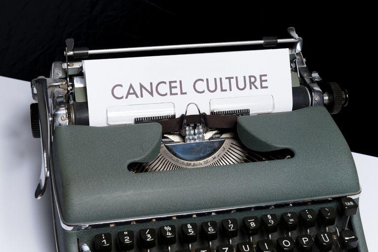 """Qué es la cultura de la cancelación y qué significa estar """"cancelado"""""""