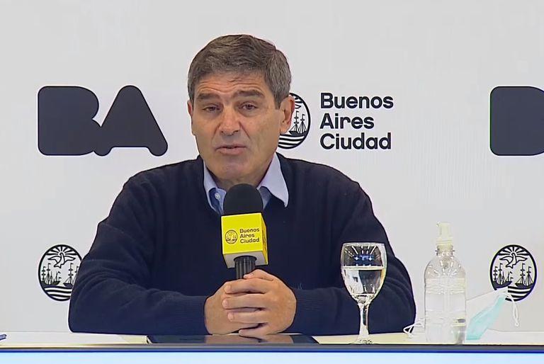Fernán Quirós da el reporte de casos en CABA