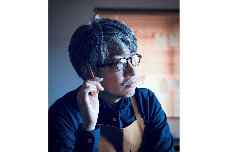 En esta foto sin fecha proporcionada por los organizadores de Tokio 2020, Kentaro Kobayashi, director de la ceremonia de apertura de los Juegos Olímpicos de Tokio, el jueves 22 de julio de 2021. (Tokyo 2020 vía AP)