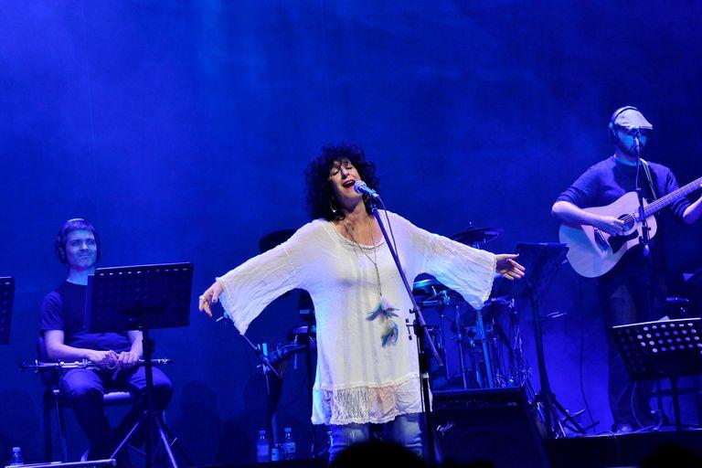 """Julia Zenko, una de las cantantes que puso su voz al servicio del Hospital Garrahan cantando """"Todos los días un poco"""""""