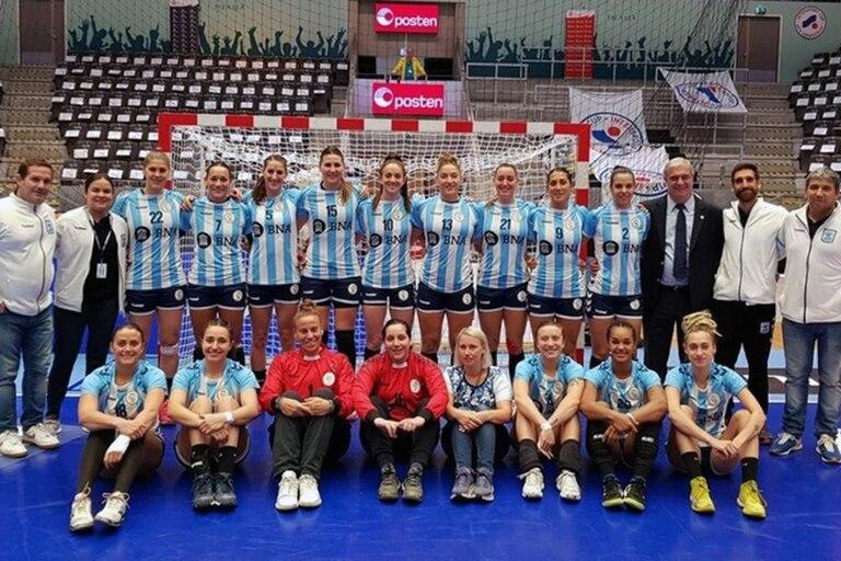 La Garra, el seleccionado argentino de handball femenino, necesita ser uno de los dos mejores del preolímpico de este mes para poder viajar a Japón.