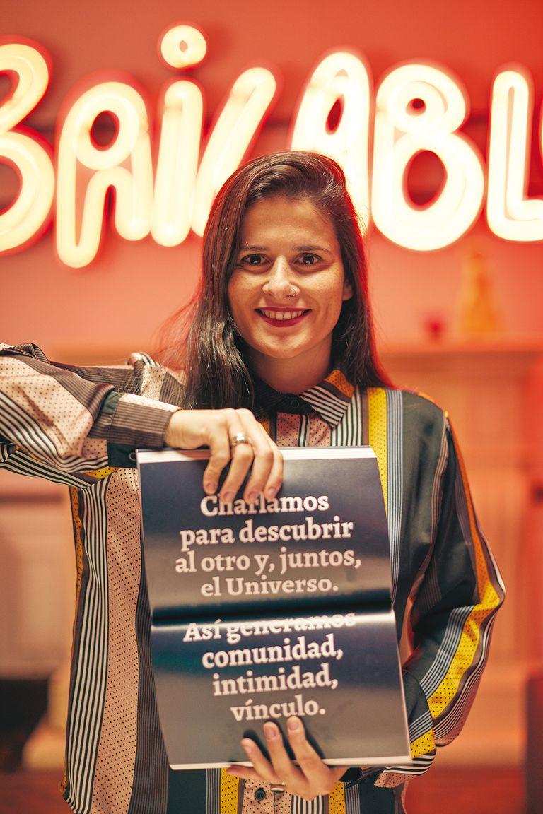 Florencia González y un libro editado desde Abre Cultura