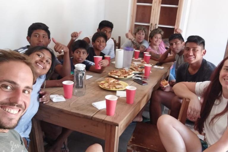 Primer almuerzo en la casa propia: Diego con los hermanos Geréz, en Gualeguay.