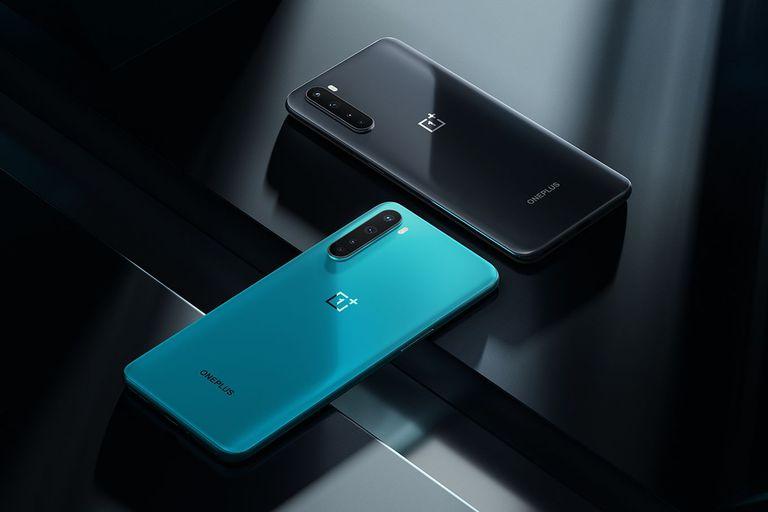 El OnePlus Nord tiene un procesador Snapdragon 765 5G, y entre 399 y 499 euros de precio, según si tiene 8 o 12 GB de RAM, y 128 o 256 GB de almacenamiento