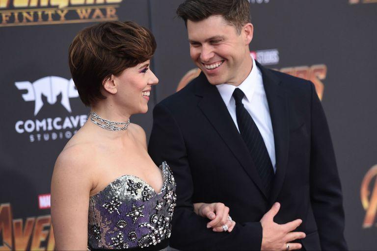 Johansson con su marido, Colin Jost