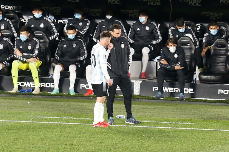 De técnico a capitán: Scaloni convenció a Messi y, a partir de allí, a todo el plantel