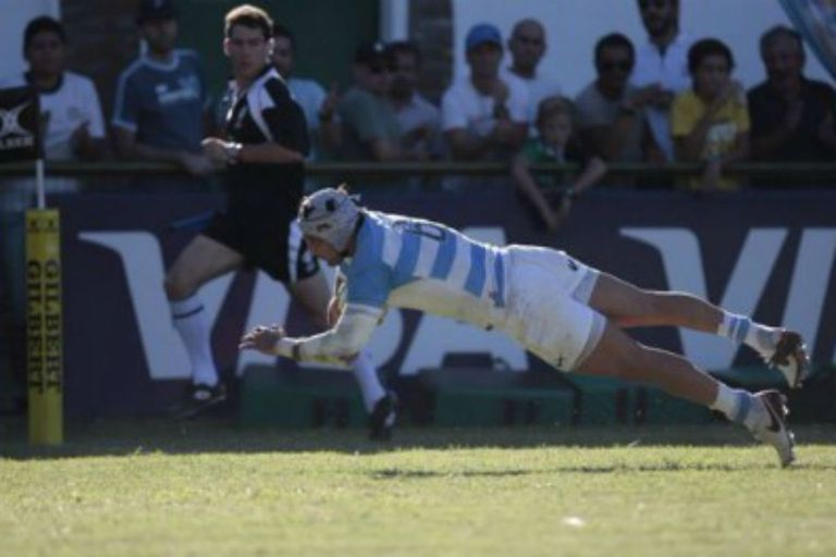 Argentina XV se lució ante Canadá