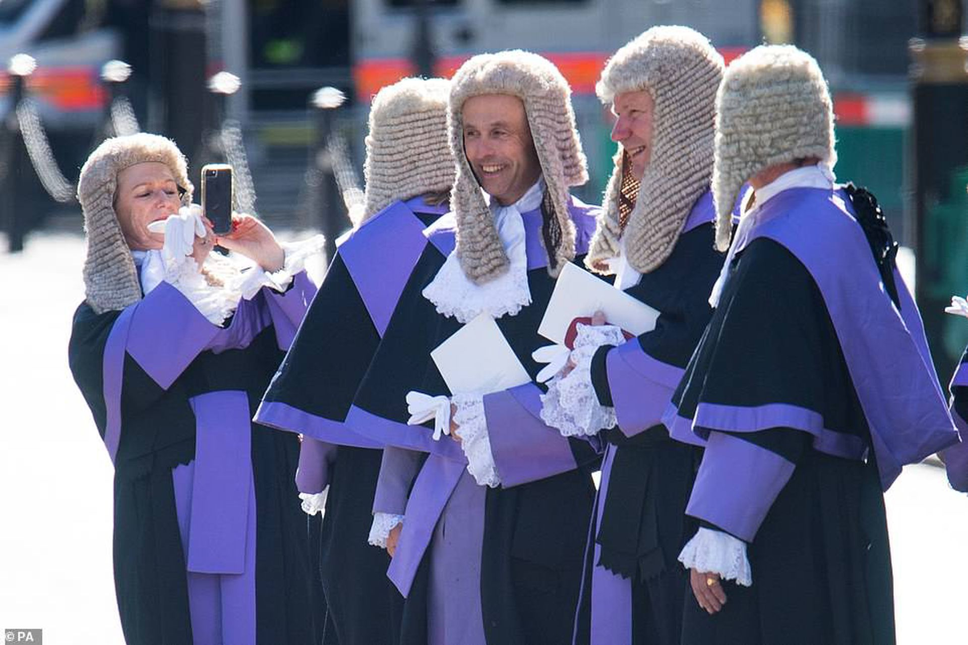 Jueces de la Corte Suprema, con sus togas y sus pelucas.