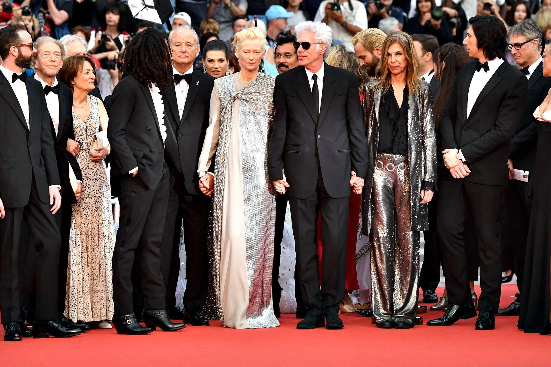 En el centro, Bill Murray, la actriz y modelo británica Tilda Swinton, junto al director de cine, guionista y actor estadounidense Jim Jarmusch
