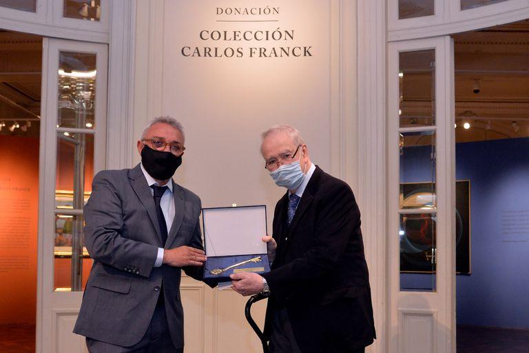 El intendente de Tigre, Julio Zamora, y el coleccionista Carlos Franck