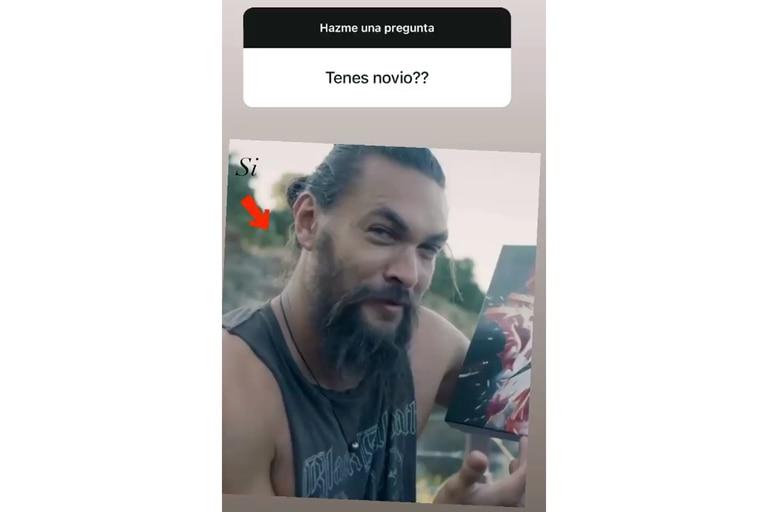 Con una foto de Jason Momoa, la actriz respondió con creatividad a la pregunta de uno de sus seguidores