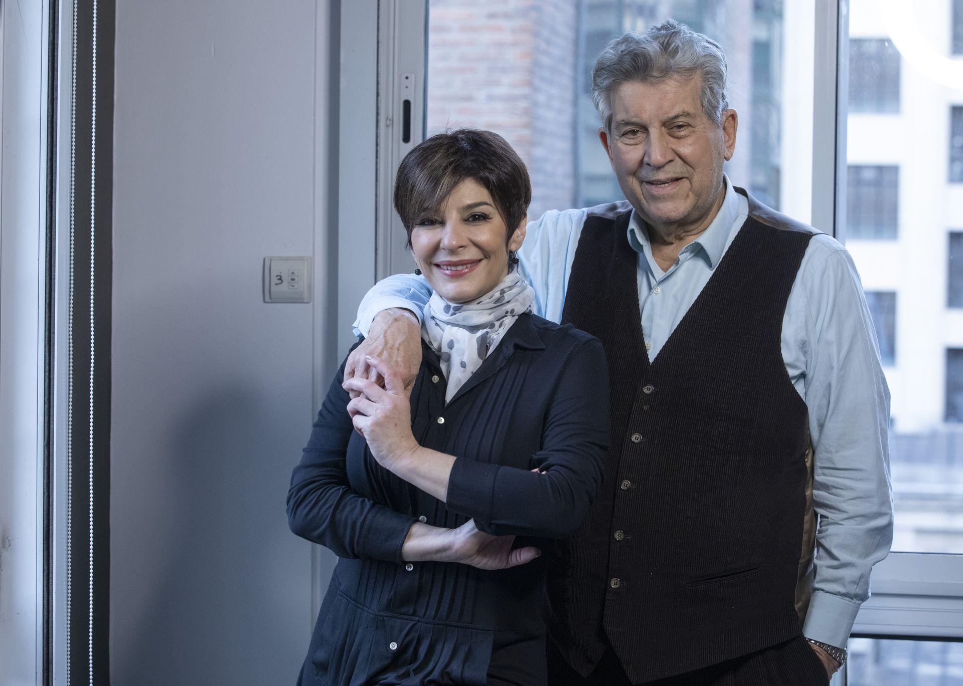 Osvaldo y Carolina Papaleo viven a pocas cuadras, pero mantienen una relación independiente