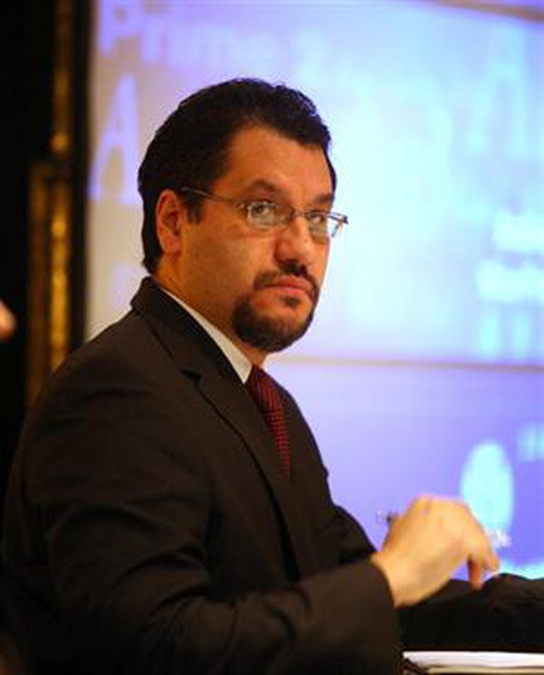 Gabriel Torres, VP de Moody''s para calificación de deuda soberana